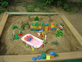Постройки из песка в детском саду 122